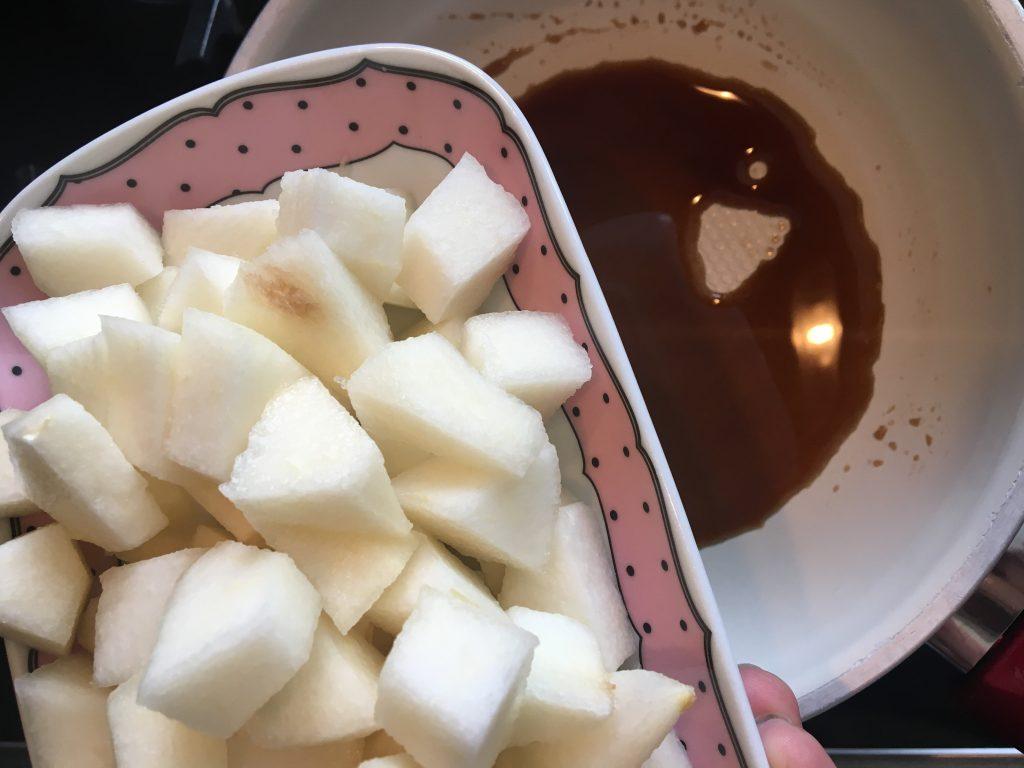 Karamelize armut nasıl yapılır